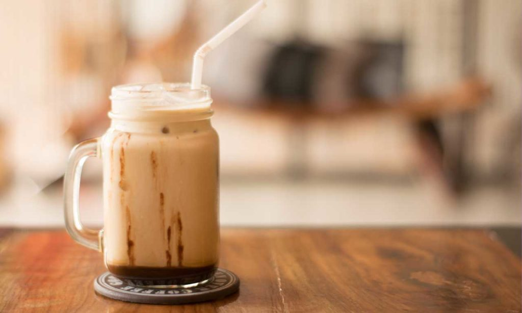Forskjellen på iskaffe og kaldbrygget kaffe cold brew kaffe HotCoffee